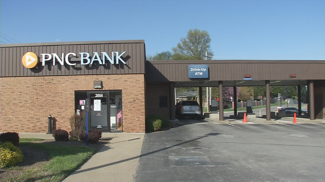 The PNC Bank on State Street in New Albany, Indiana was robbed on April 27, 2018.