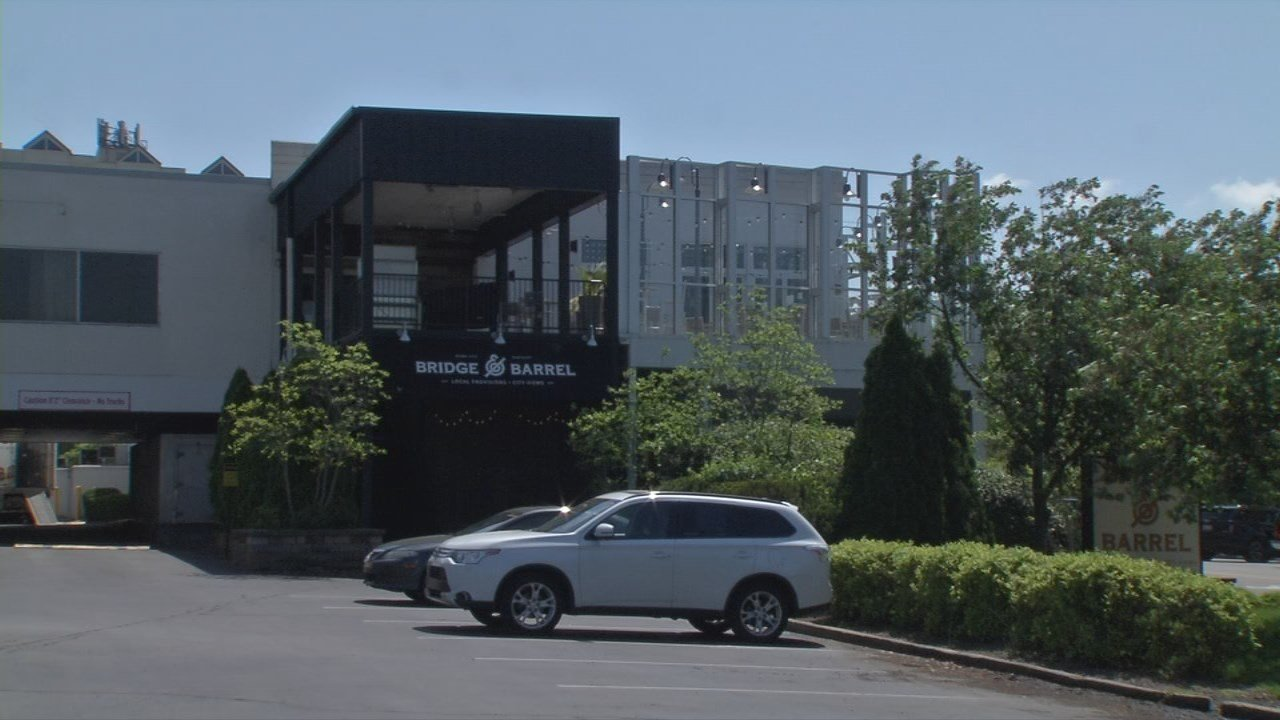 Bridge and Barrel has replaced it inside the Sheraton Louisville Riverside Hotel.