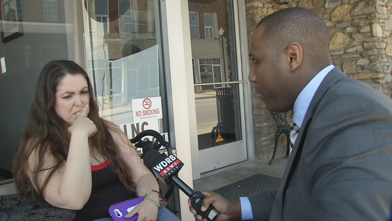WDRB's Gil Corsey hit the streets to test adults with citizenship questions.