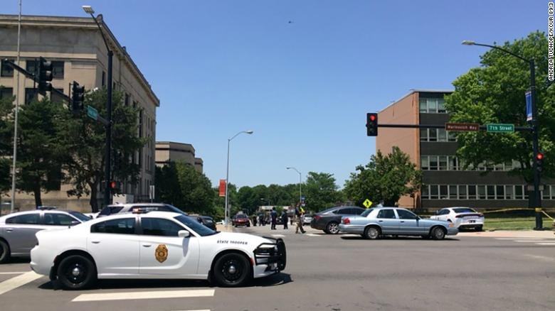 One officer killed, another critically injured at Kansas City courthouse