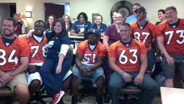 Former UK star Jacob Tamme (84) visited victims of the Aurora shooting incident today.