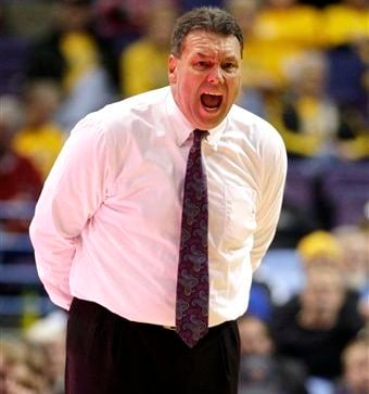 Evansville coach Marty Simmons did what Rick Pitino is trying to do Saturday -- beat Wichita State (twice).