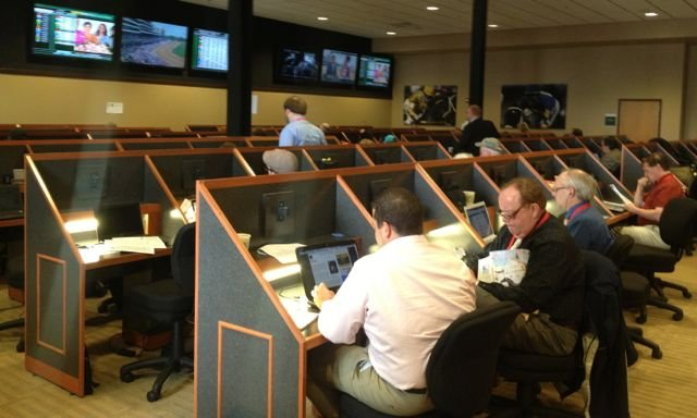 Reporters cover the Kentucky Oaks from the new press room at Churchill Downs. Eric Crawford/WDRB photo