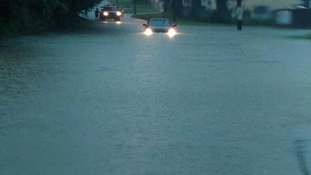 Street flooding along North Frankfort Ave. in Louisville, about 5 p.m., from Andy Ward via Marc Weinberg/WDRB News