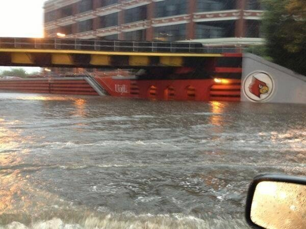 South 3rd Street viaduct floods near Eastern Parkway and Univ. of Louisville. Josh Thompson photo via Twitter and Marc Weinberg/WDRB News