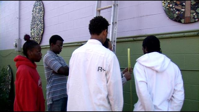 Over the years, YouthBuild Louisville has helped hundreds of troubled young people. Now the program is receiving recognition from the nation's capital.