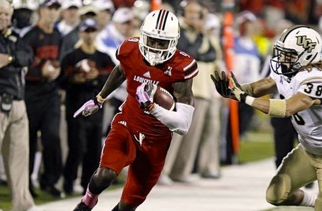 DeVante Parker scored a touchdown for Louisville in his first game back from a shoulder injury.