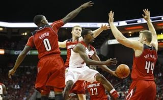 © GoCards.com photo by Jeff Reinking.