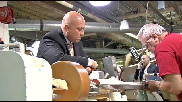 Cal Ripken Jr. toured the Louisville Slugger Factory before he received the Living Legend Award in a special ceremony.