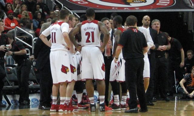 Louisville did not require many timeout huddles while defeating Hartford, 87-48, Tuesday.