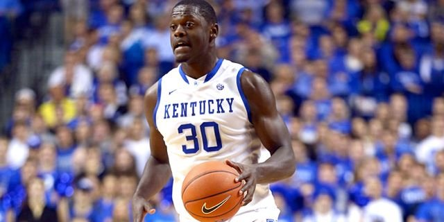 Julius Randle scored 16 of his 18 points in the first half as Kentucky beat Tennessee, 74-66, Saturday.
