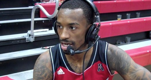 Russ Smith ignored a stomach bug and hung 26 points on SMU Tuesday in Louisville's 84-71 win.