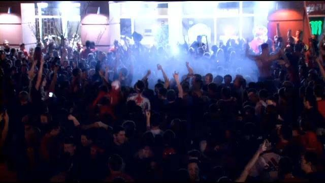 U of L fans celebrate outside of Cardinal Towne after Louisville's national championship victory in 2013.