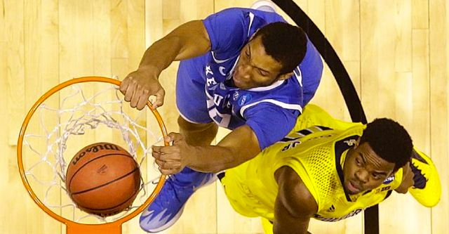 Marcus Lee scored 10 points off the bench as Kentucky defeated Michigan Sunday.