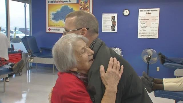 """Red Cross """"Hugger"""" gives blood donors gift from the heart"""