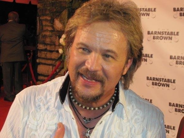 Country singer Travis Tritt is back again for the 2014 gala.