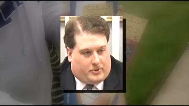 Former Oldham Co. Magistrate Scott Davis has faced allegations in the past regarding DerbyDeals.com scams.