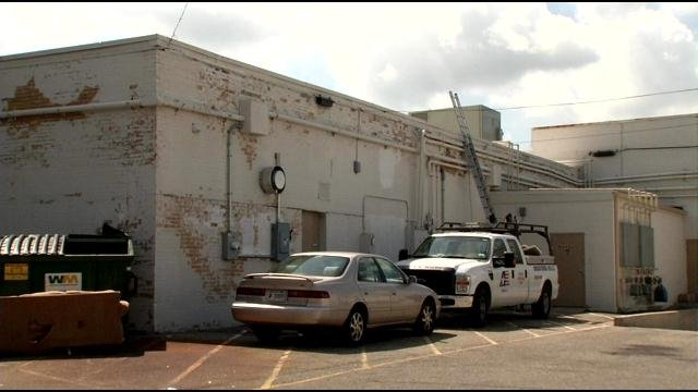Investigators say thieves entered Genesis Diamonds on Shelbyville Road through the roof.