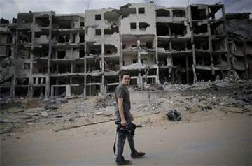 (AP Photo/Khalil Hamra). This Monday, Aug. 11 2014 photo shows Associated Press video journalist Simone Camilli in Beit Lahiya, Gaza Strip.