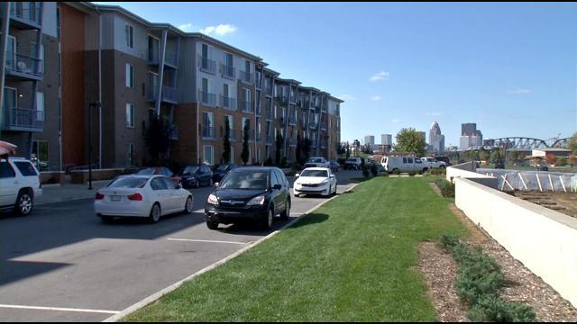 Existing River Park Place apartment building.