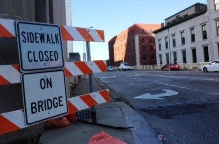 Sidewalk closed on Clark Memorial Bridge (Chris Otts / WDRB)