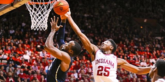 Indiana freshman Emmitt Holt scored 15 points as the Hoosiers defeated Pitt Tuesday. (Jamie Owens photo.)