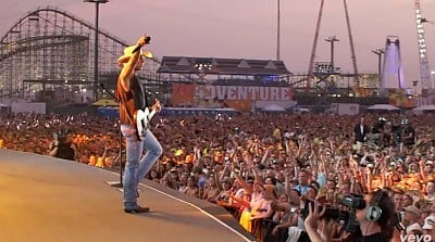 Courtesy: www.kennychesney.com
