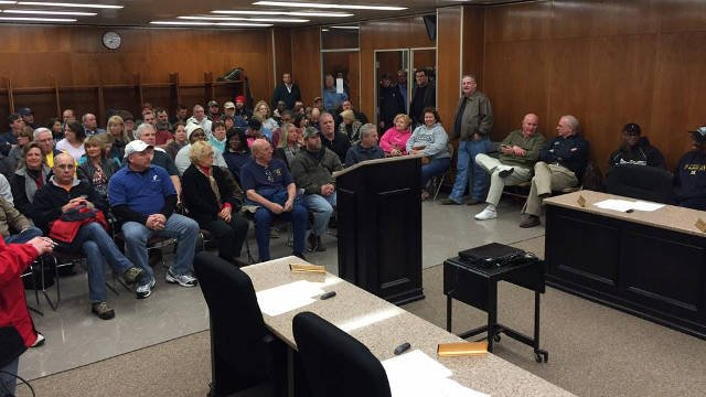 Standing room only in New Albany as city council set to discuss $7M to entice General Mills to stay. (Photo by Ryan Cummings)