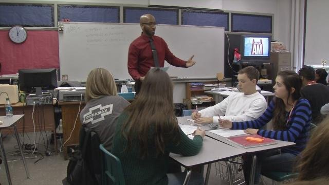 Students at duPont Manual High School (WDRB News file photo)