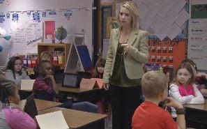 Tully Elementary School teacher Holly Hawkins talks to her second graders about Wonderopolis on Jan. 22, 2015.