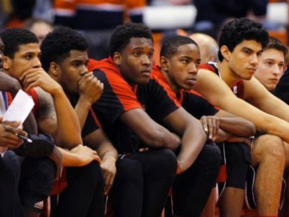 Louisville was outscored 23-12 down the stretch of a loss at Syracuse. (AP photo.)