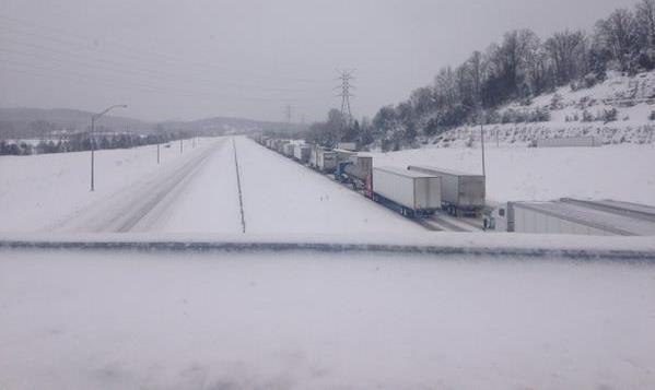 I-65, 8 miles north of Lebanon Junction (Danielle Lama WDRB)