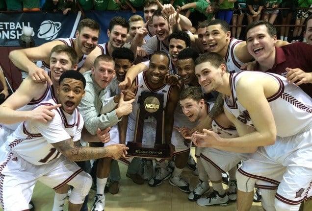 Bellarmine celebrates its Midwest Regional title. (Eric Crawford photo)