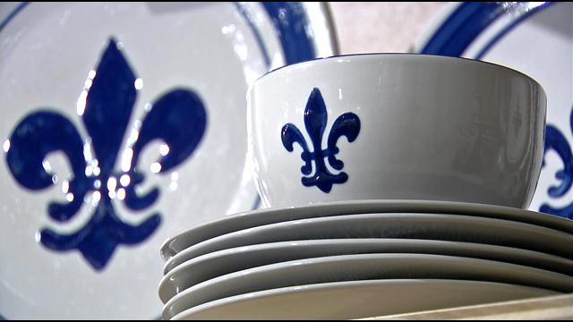 Louisville Stoneware's signature fleur de lis dish sets.