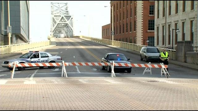 Thunder preps mean the Second Street Bridge will close Thursday, April 19, 2018.