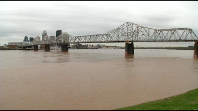 Dozens of boaters are expected to be out on the Ohio River for Thunder Over Louisville this weekend, but the U.S. Coast Guard has some safety concerns.