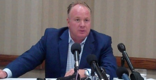 Kentucky football coach Mark Stoops spoke to more than 700 fans in Louisville Friday.