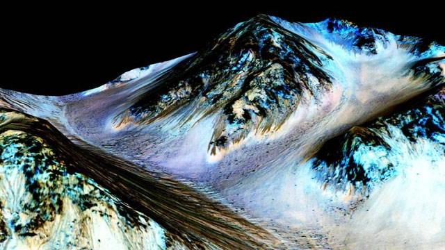 Credits: NASA/JPL/University of Arizona