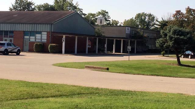 Minor Daniels Academy (photo source: WDRB Reporter Toni Konz)