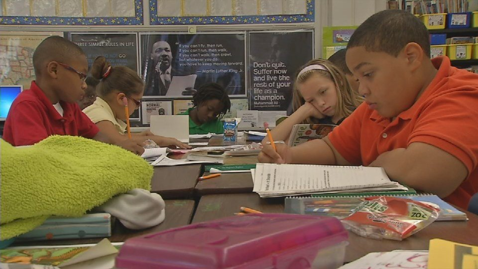 Fifth grade students at Semple Elementary School work on a reading assignment on Oct. 15, 2015 (Photo by Toni Konz, WDRB News)