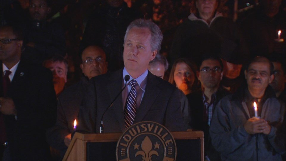 Mayor Greg Fischer speaks to the crowd.