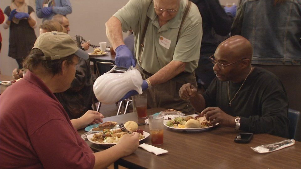 On Thanksgiving, volunteers at St. Vincent de Paul served diners.