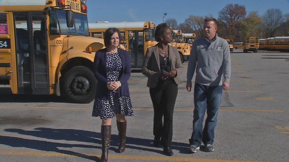 WDRB reporters Toni Konz and Adrianne Flores talk with JCPS bus driver David Germann (WDRB News)