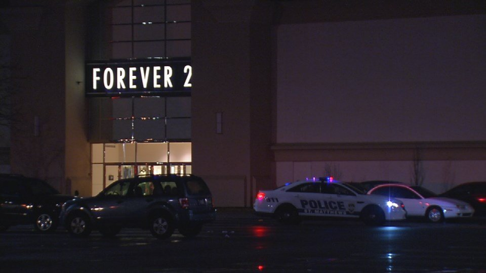Mall St. Matthews closed early Saturday due to multiple disturbances caused by hundreds of kids (WDRB News photo)