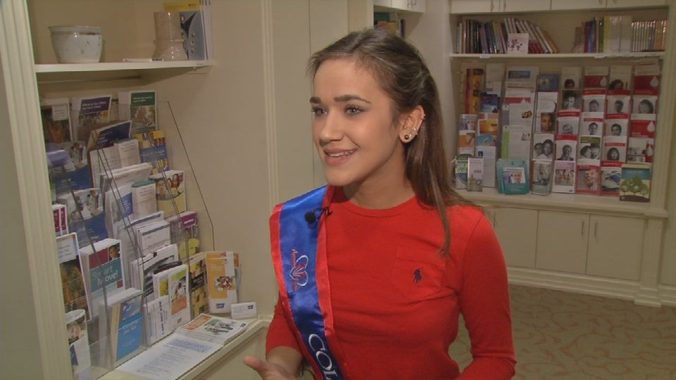 Miss Collegiate Teen USA Logan Hornback says she enjoys cheering up patients.