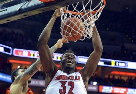 Chinanu Onuaku (32) punished Syracuse with 13 points and 15 rebounds.