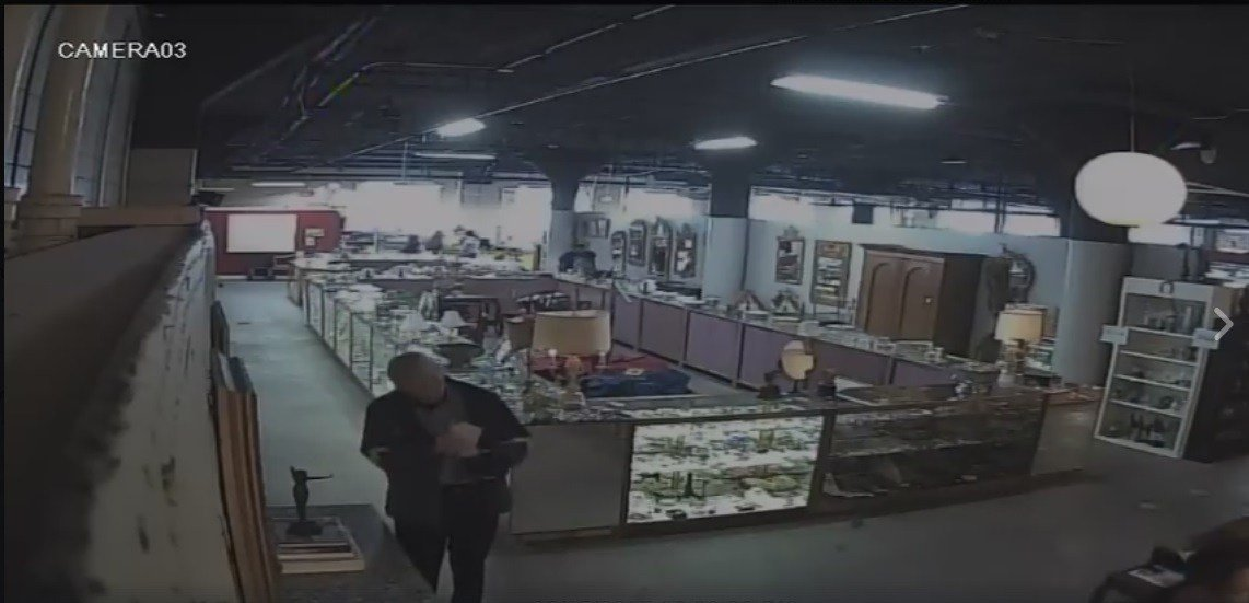 Lmpd Tracking Thief Who Stole Nude Statue At Mellwood Antiques Wdrb 41 Louisville News