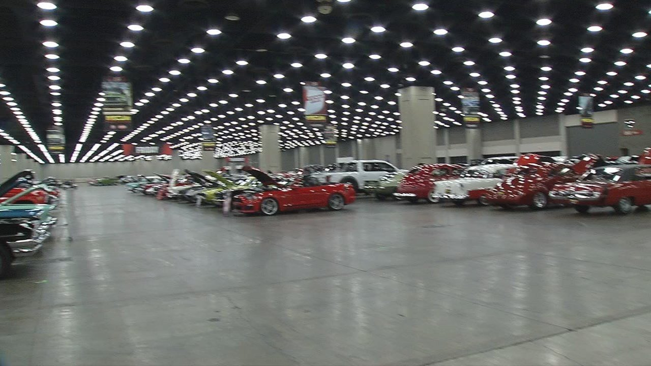 IMAGES | Mecum Auctions returns to Louisville with classic cars ...