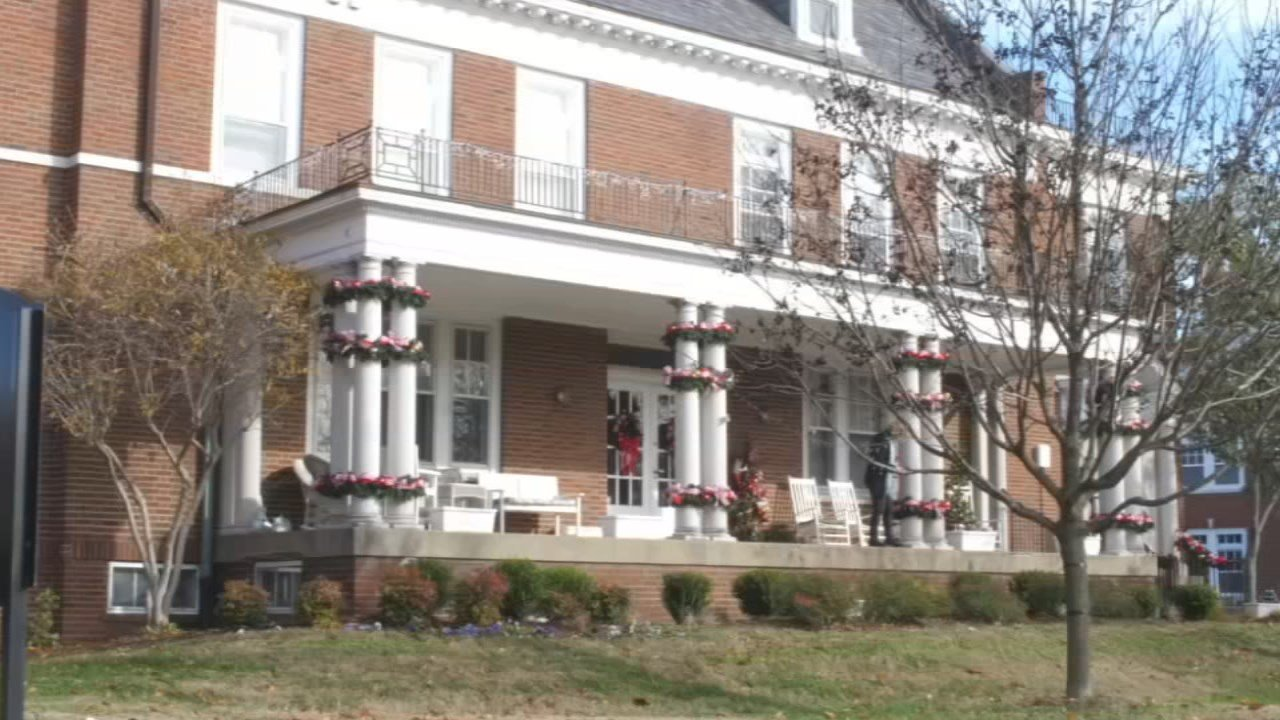masonic homes celebrate 150 years by decorating for the holidays