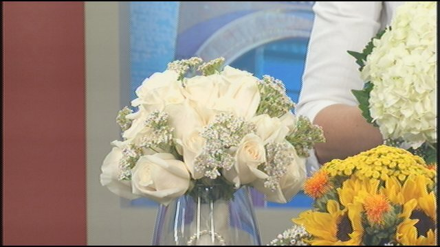 kroger helps you save on wedding floral arrangements wdrb 41 louisville news. Black Bedroom Furniture Sets. Home Design Ideas